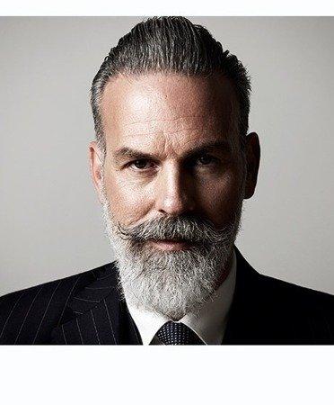 MULSANNE beard oil - olejek do skóry twarzy oraz brody, zapobiega przesuszeniu skóry pod brodą, nawilża i sprawia, że broda zyskuje połysk i miękkość